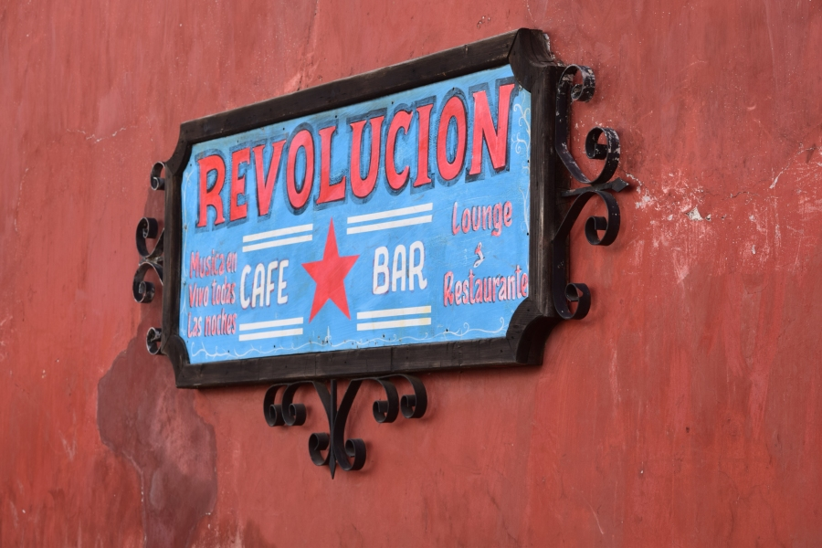 bar revolucion cafe