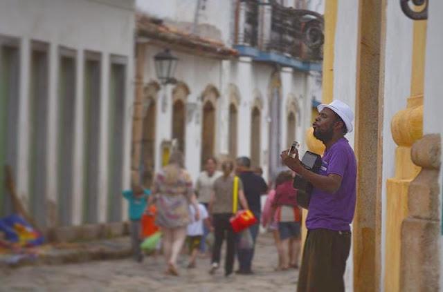 sozinho caetano veloso musico mbp samba paraty rio de janeiro brasil violeta vaal